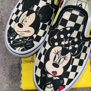 Mickey & Minnie Vans